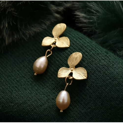 Belize Pearl Drop Earrings