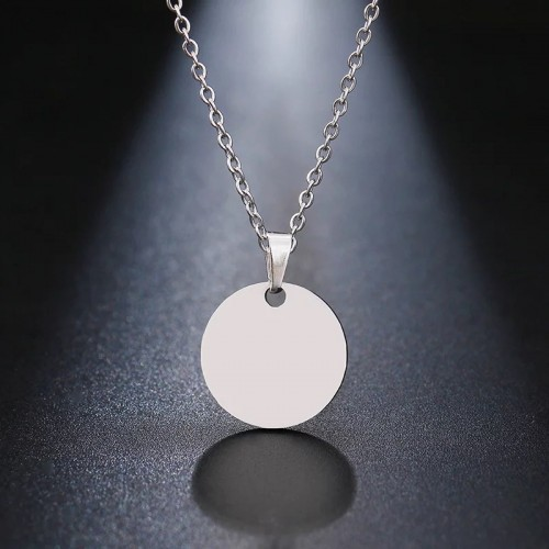 Disc Pendant Necklace in Silver
